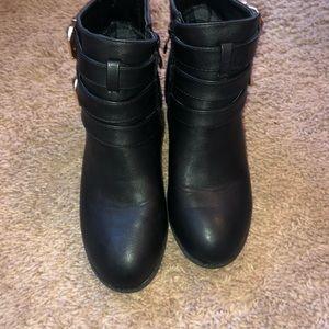TOP Moda Shoes - Black Booties
